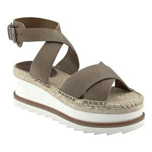 ✨Marc Fisher Womens Greg Leather Sandals